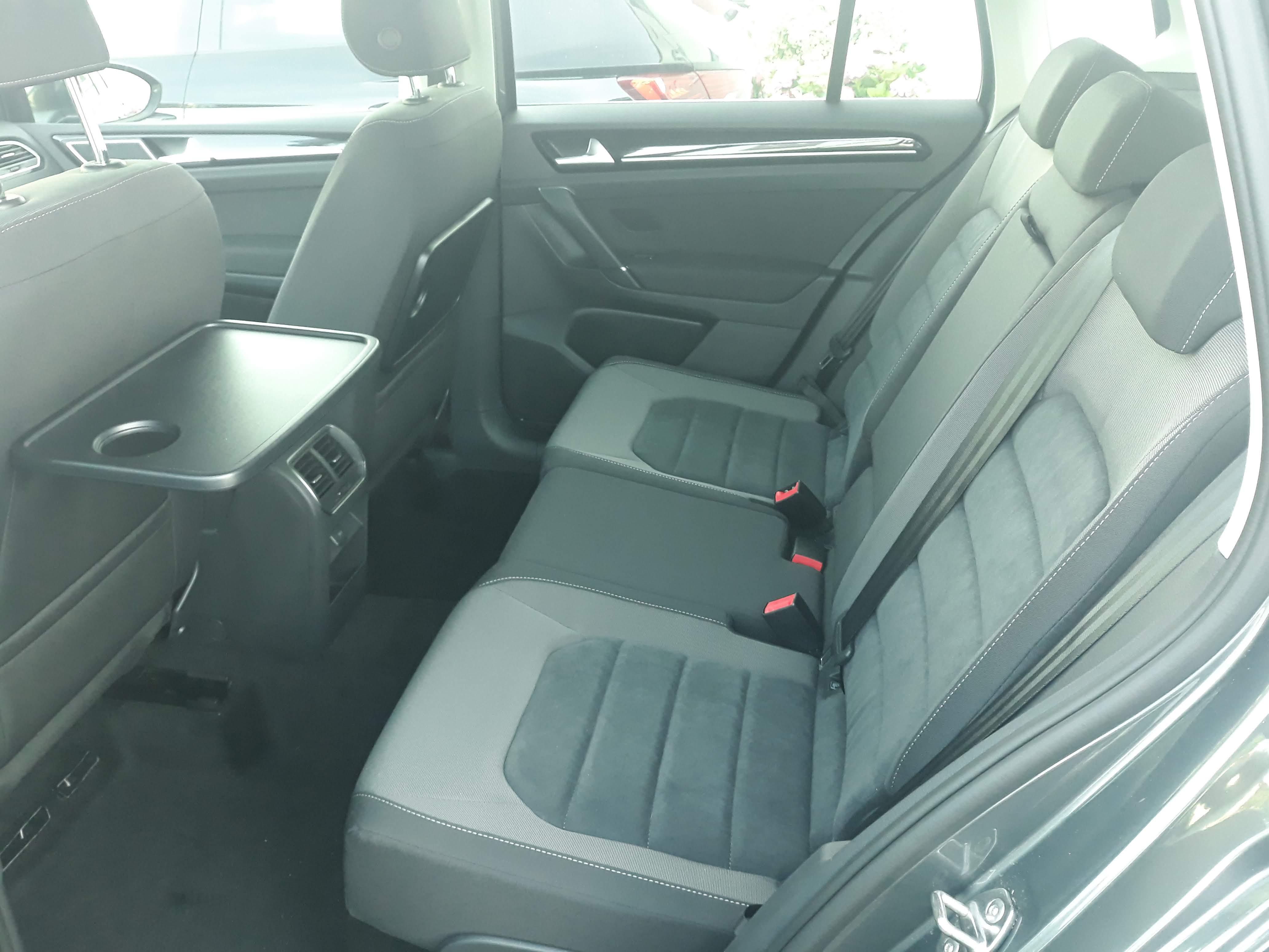 VW Golf Sportsvan Highline 1.5 TSI, Navi, SHZ, PDC full